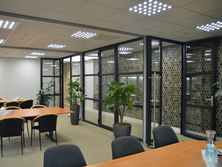 van Acht koel- en vriesopslag, Verbouwing bestaand kantoor