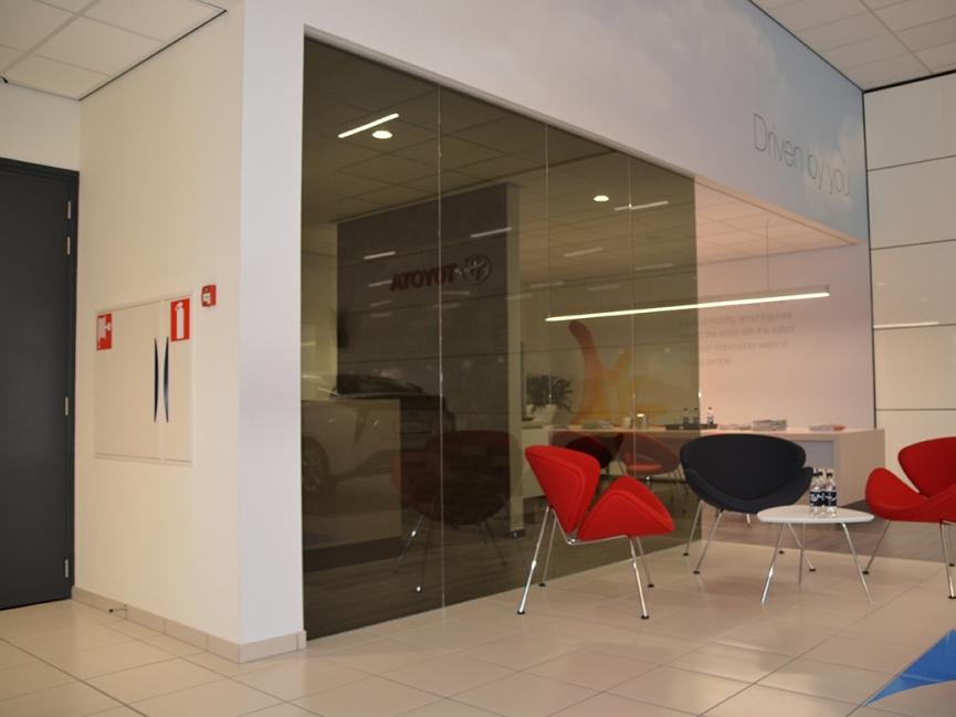 Toyota Eindhoven, Verbouwing bestaande showroom